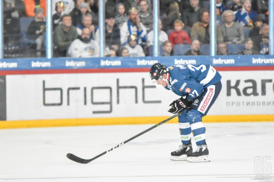 Mika Pyörälä pelasi urhautuvaisesti joukkueen eteen ottelun lopussa.