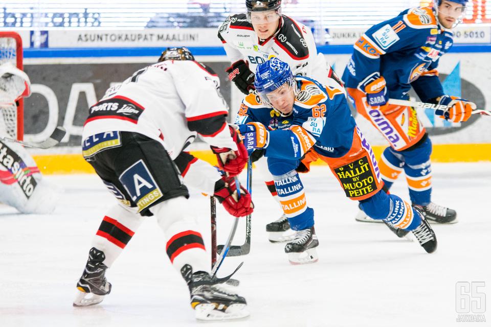 Mäkinen on pelannut tällä kaudella kahdeksan Liiga-ottelua.