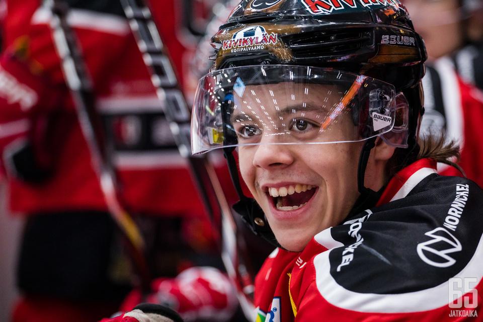 Jesperi Kotkaniemi päätyi Montreal Canadiensinn listoille NHL:n varaustilaisuudessa.