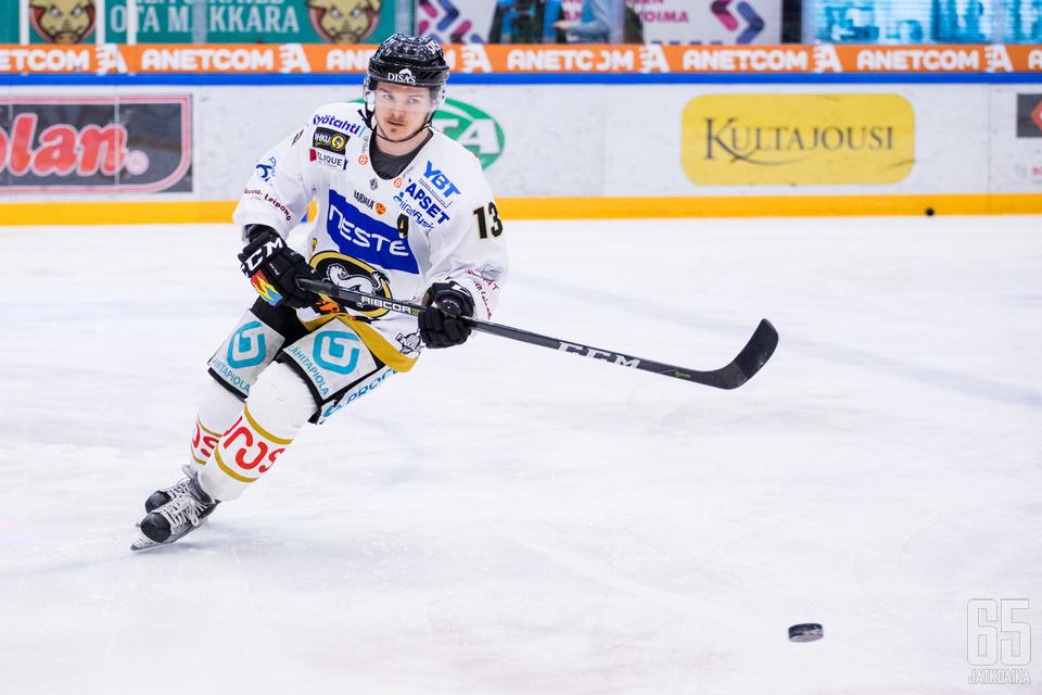 Julius Junttila ehti pelata Sibirissä vain viisi runkosarjaottelua.