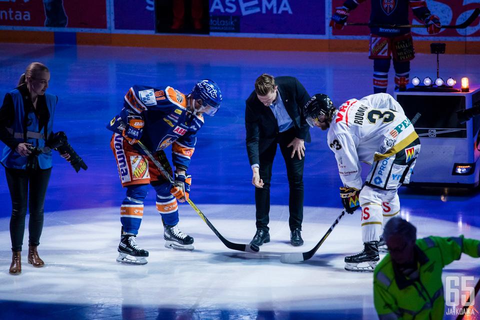 Tappara aloittaa kautensa jo perjantaina kun taas mestaruuden voittanut Kärpät kohottaa viirinsä avausviikonlopun lauantaina.