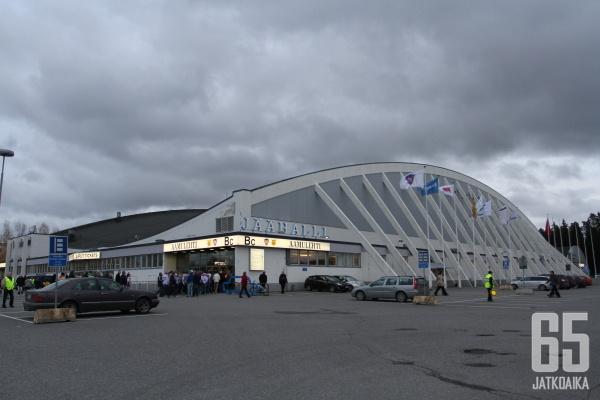 Suomen vanhin jäähalli Hakametsä korvataan uudella areenalla.