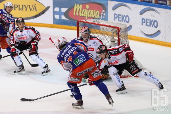 Antti Erkinjuntti kuului Tapparan avainpelaajiin finaaleissa Ässiä vastaan.