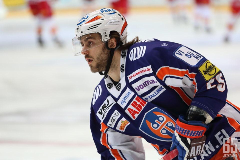 Nick Bailen pelasi viime kauden Tapparassa.