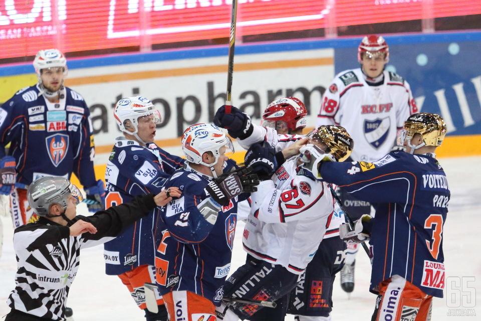 Tappara ja HIFK aloittavat pudotuspelitaistelunsa.