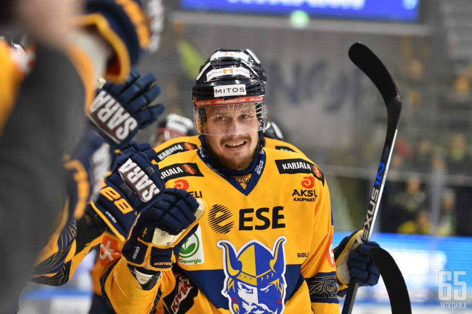 Nestori Lähde vastasi ottelun voittomaalista avauserän lopulla.