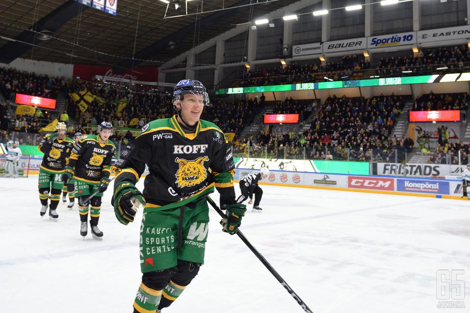 Eemeli Suomella ja kumppaneilla on vielä sauma pudotuspeleihin.