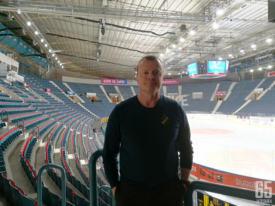 Anders Gozzi oli AIK:n edustusjoukkueen hyökkääjä vuosina 1986−1990, 1994−1999 ja 2000−2004.