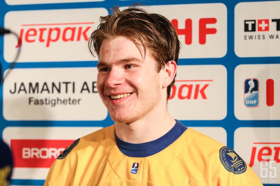 Tobias Björnfot kipparoi Ruotsin joukkuetta kohti MM-kultaa.
