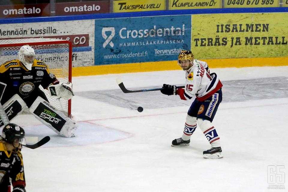 Hermeksen kultakypärä Samu Markkula oli tehokkaana Kankaan montussa. Mies oli mukana Hermeksen kolmessa viimeisessä maalissa tehoin 1+2.