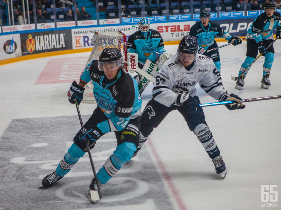 Pelicansin kapteeni Hannes Björninen teki maalin illan ottelussa.