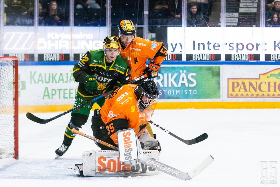 KooKoon Oskari Salminen torjui ensimmäisestä täydestä liigaottelustaan voiton.
