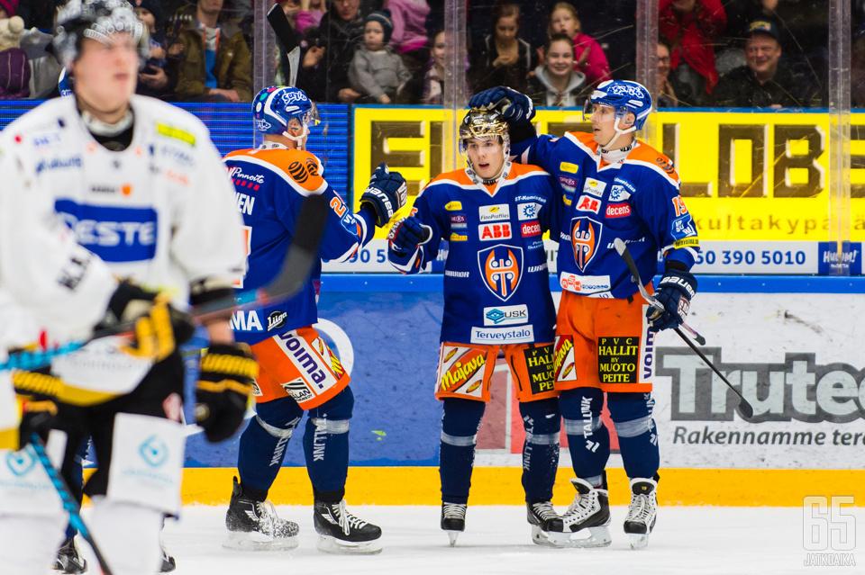 Henrik Haapala rikkoi 60 pisteen rajan syöttäessään Rantakarin toisen maalin.