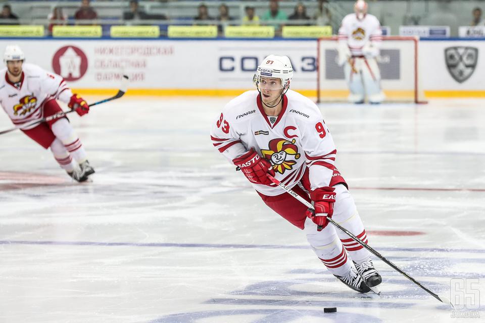 Peter Regin kirjautti Moskovassa uransa sadannen syötön Jokeri-paidassa.