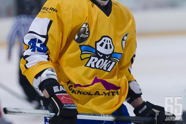 Toni Eskelinen pukee loppukauden päällensä RoKin peliasun.