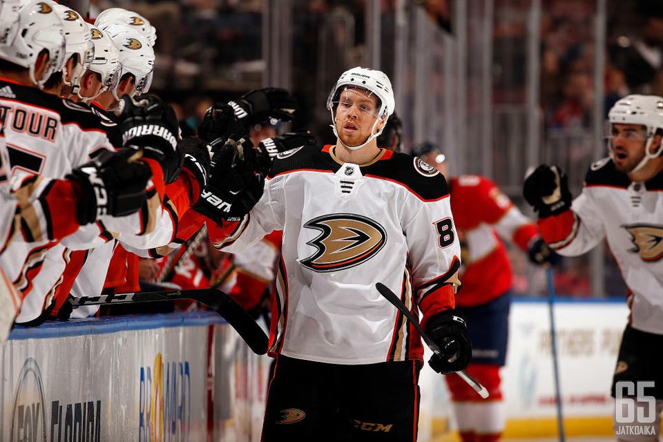 Kalle Kossila on päässyt tuulettamaan kertaalleen myös NHL-osumaa.
