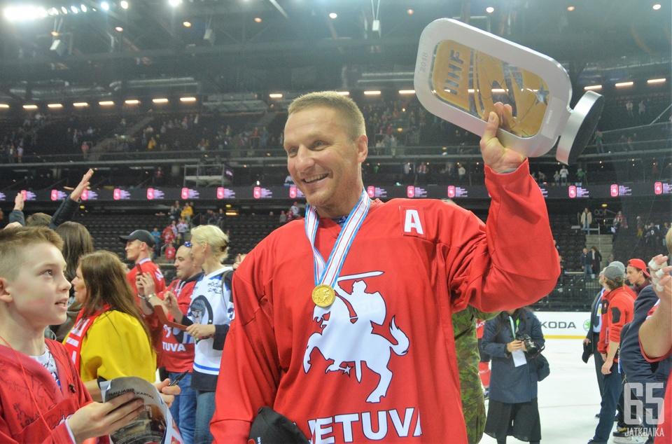 Uuden jääkiekkoliigan lohkot on nimetty liettualaisen Darius Kasparaitiksen (kuvassa) ja latvialaisen Sandis Ozoliņšin mukaan.