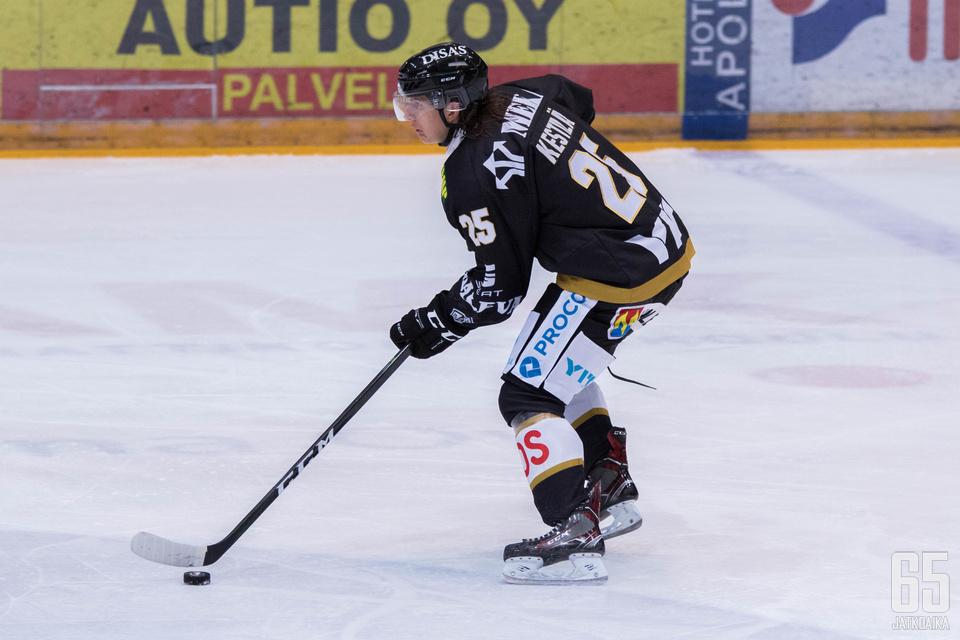Kestilä on pelannut tällä kaudella 19 Liiga-ottelua.