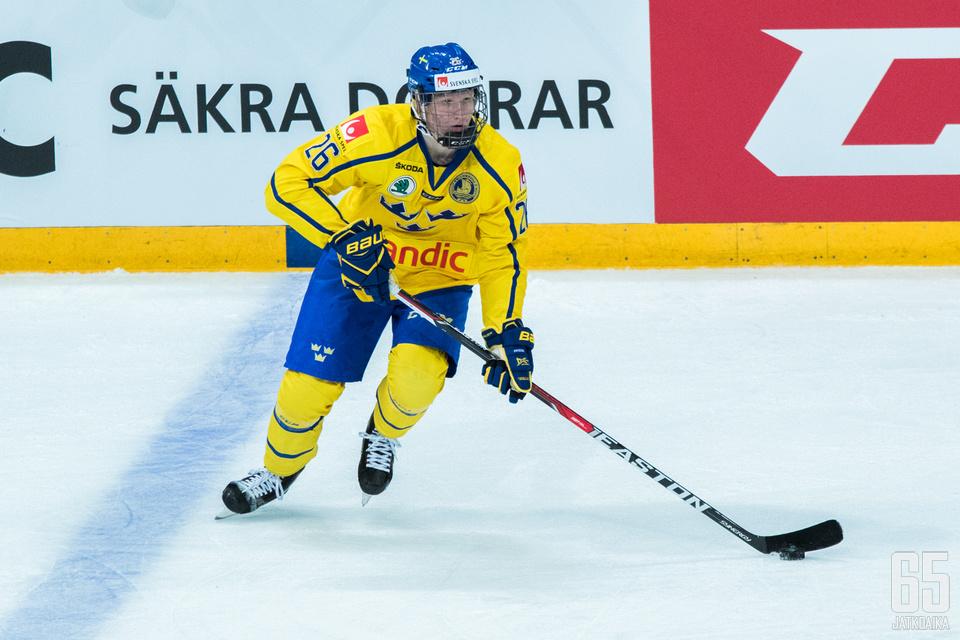 Rasmus Dahlin debytoi miesten maajoukkueessa Helsingin EHT:llä.