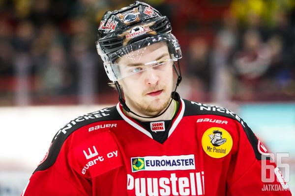 Jarno Kärki pukee jatkossa ylleen tuoreen Suomen mestarin pelipaidan.