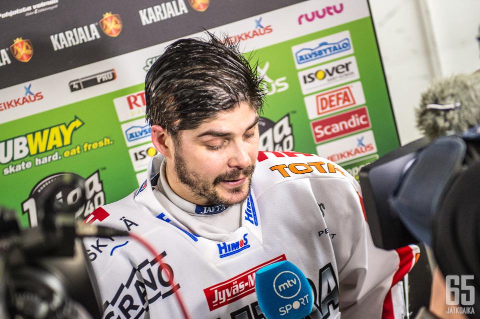 Perrin nähdään jatkossa Turun Palloseuran paidassa.
