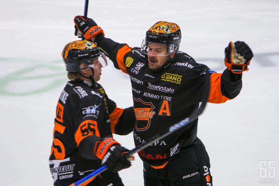 Juha-Pekka Haataja toi KooKoon tasoihin ja nousi Janne Ojasen rinnalle ylivoimamaaleissa.