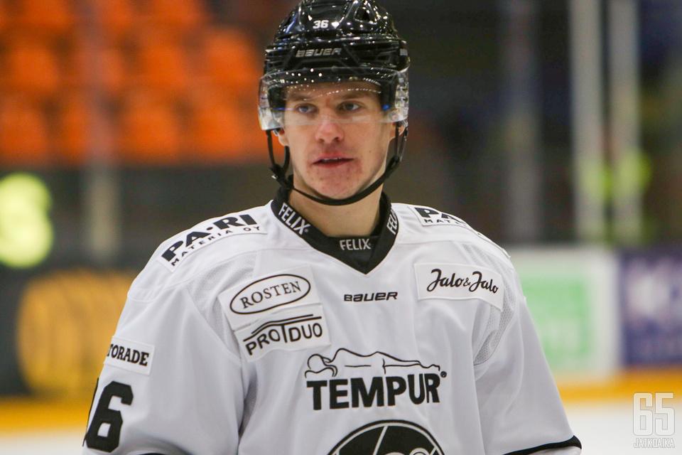 Anton Holm on aloittanut Liigauransa hyvässä tahdissa.