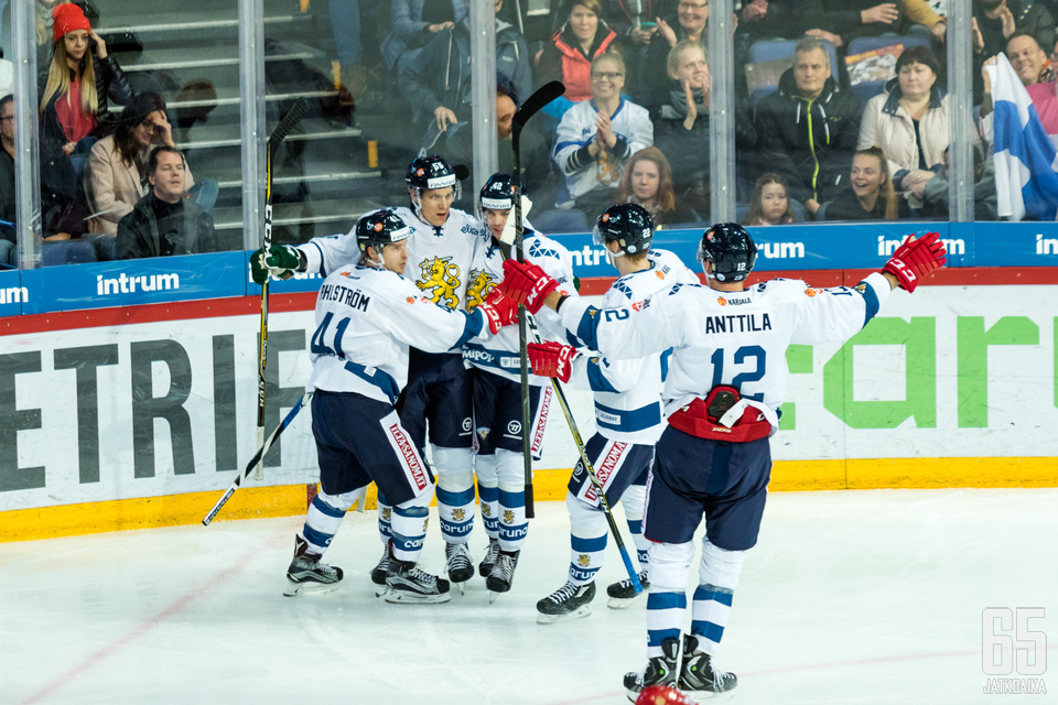 Leijonat aloitti voitokkaasti matkansa kohti helmikuun olympialaisia, kun Suomen EHT:lla joukkue voitti kaikki kolme otteluaan.