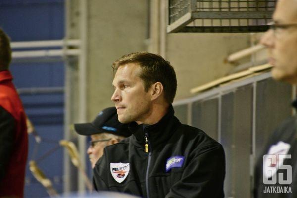 Satosaari on toiminut urallaan muun muassa Peliittojen maalivahtivalmentajana.