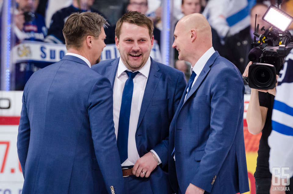 Antti Pennasella ja muulla valmennustiimillä oli aihetta hymyyn nuorten MM-kisoissa.