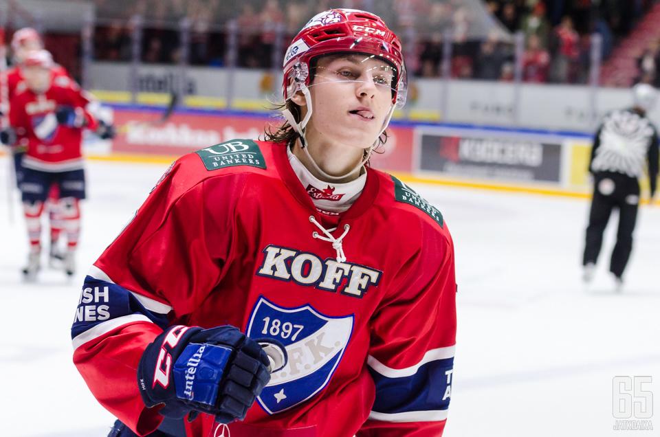Roope Hintz viimeisteli Ässiä vastaan hattutempun.