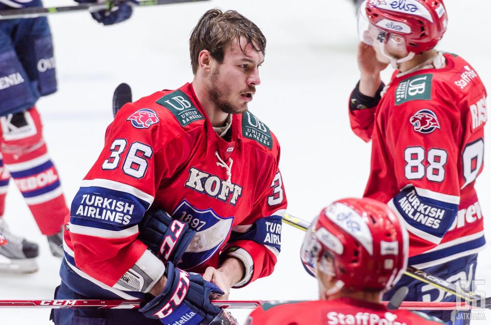 Järvinen voitti viime kaudella SM-hopeaa HIFK:n paidassa.