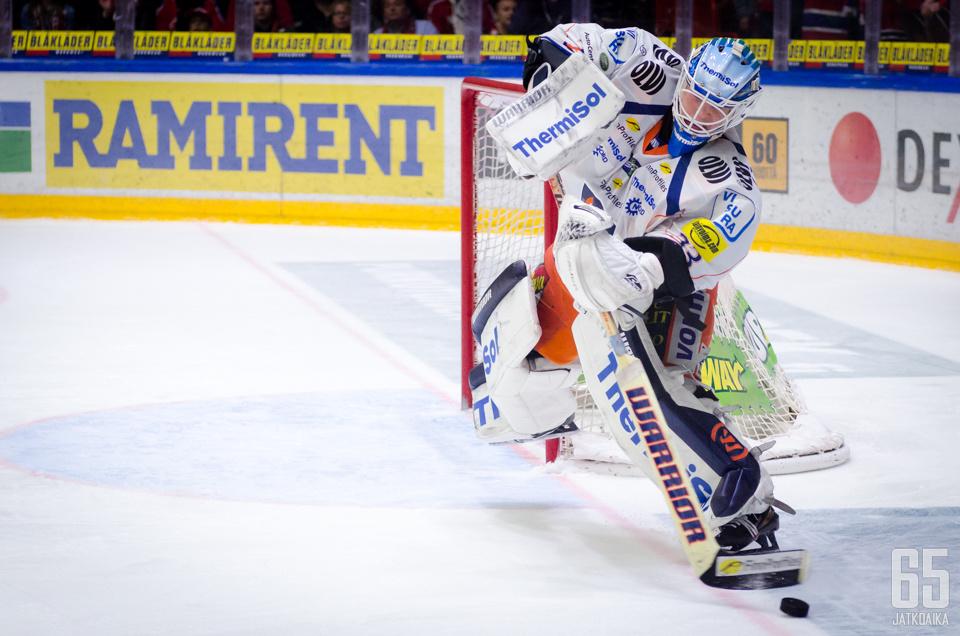 Karhunen siirtyy KHL-kaukaloihin.