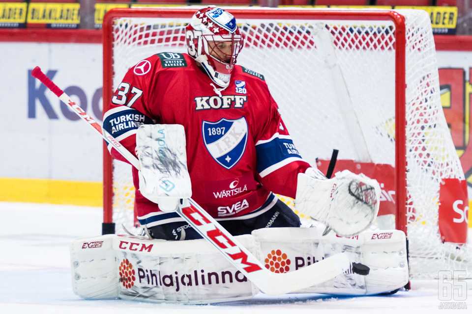 Bäckström edusti kaksi edelliskautta HIFK:ta.