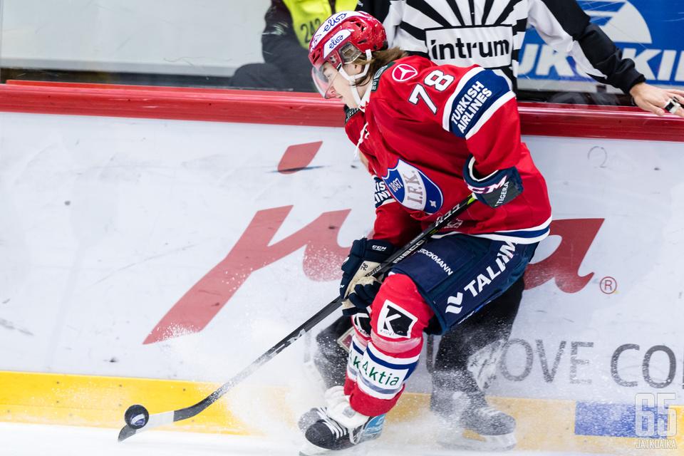 Loukkaantumisen jälkeen paluun kaukaloon tehnyt Nordgren vastasi voittomaalista.