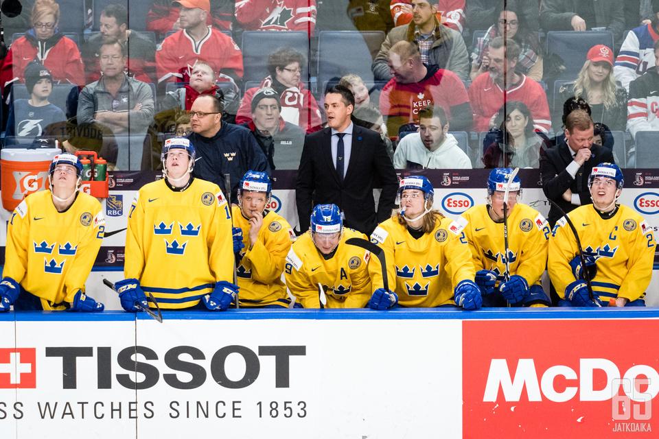 Ruotsin nuorten joukkueen pelaajat ja valmentajat saivat rangaistuksia.