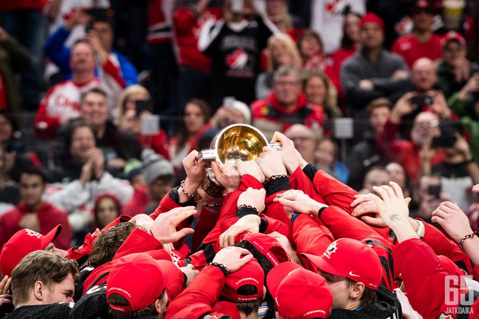 Kanada juhli maailmanmestaruutta Buffalossa.