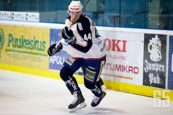 Pellinen esiintyi LeKi-paidassa viimeksi kaudella 2012-13.