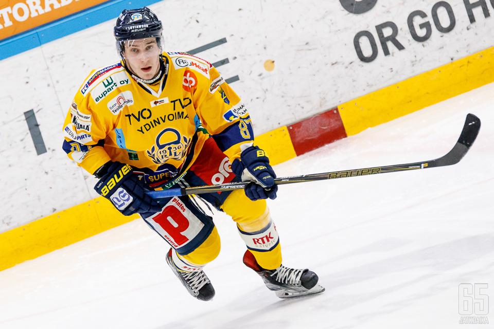 Aleksi Saarela on onnistunut maalinteossa kaikissa kauden otteluissaan.