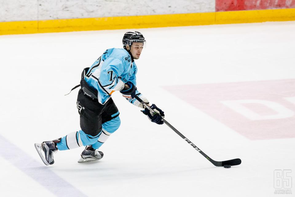 Pereskokov on pelannut tähänastiset Liiga-pelinsä Pelicansissa.