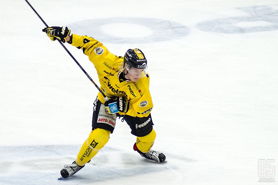 Lofquist siirtyy KHL:ään.