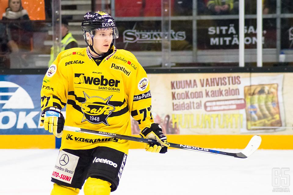 Mäkinen on Liigan lisäksi pelannut SaiPan A-nuorissa.