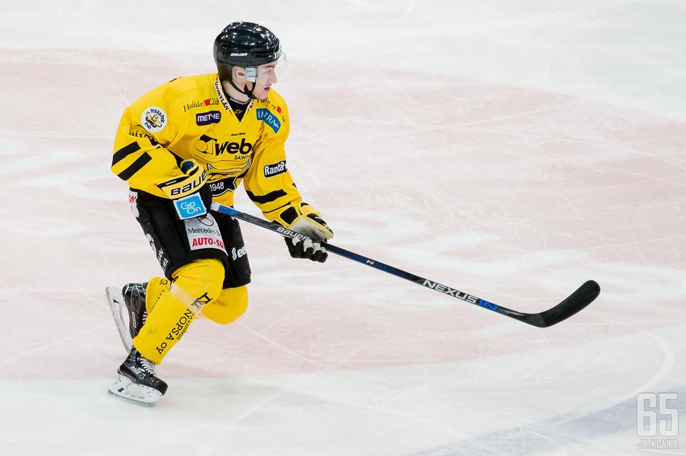 Santeri Koponen pelaa keskiviikkona ensimmäisen Mestis-ottelunsa.