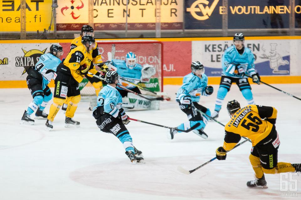 Lasse Lappalainen oli loukkaantumisesta huolimatta illan tehopelaaja.