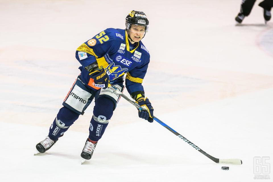 Valtteri Hietanen avasi maalihanansa jukuripaidassa.