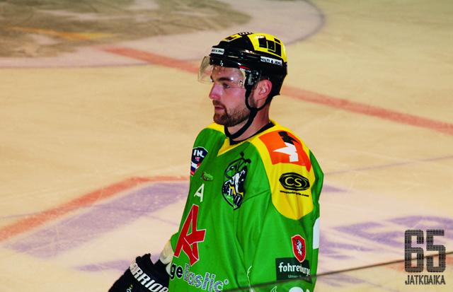 Zorec toimi viime kaudella Lustenaun varakapteenina.