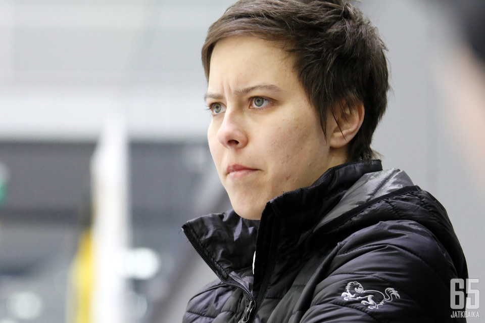 Mira Kuisma, 31, aloittaa alle 18-vuotiaiden tyttöjen maajoukkueen päävalmentajana.