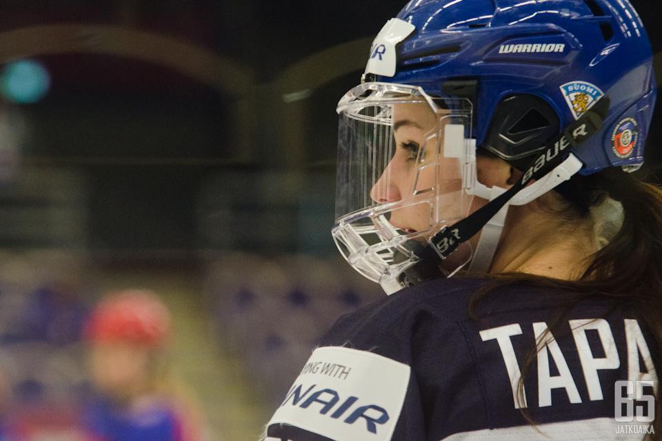 Susanna Tapani osui kahdesti Sveitsiä vastaan.