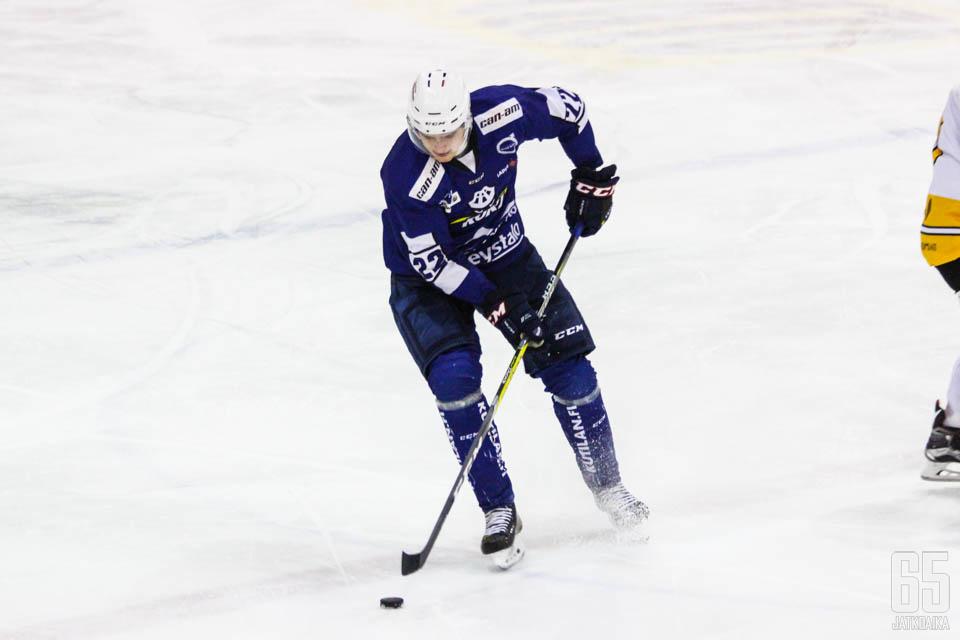 Heikkinen on pelannut Mestistä tällä kaudella RoKissa.