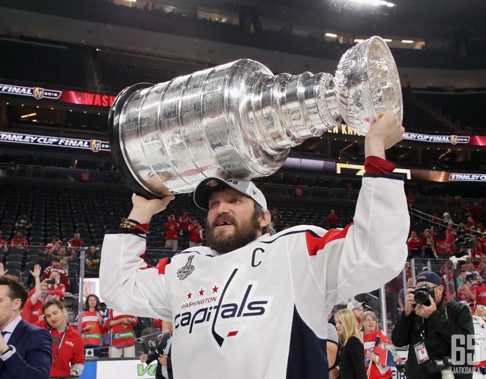 Viime kauden päätteeksi Washington Capitals juhli Stanley Cupia.